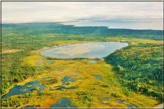 inland-lake-with-lake-athabasca-in-background-wbnp2